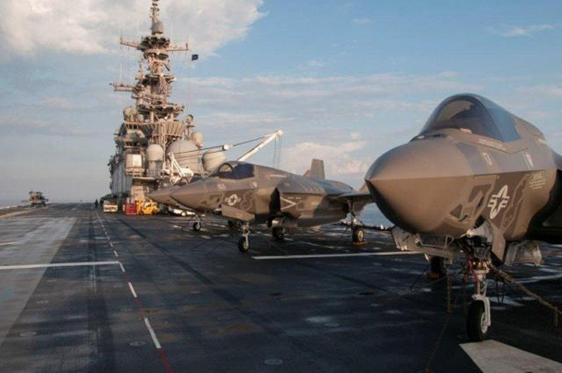 LOCKHEEDMARTIN-FIGHTER/F-35 Bravo Ligh...