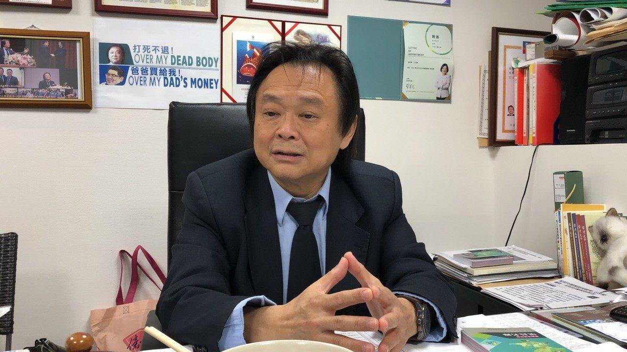 台北市議員王世堅表示,若民進黨2020總統大選推出蔡英文配柯文哲,一定翻桌抗議。...