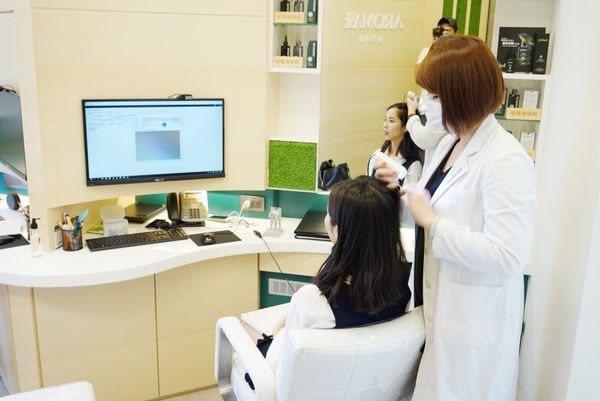 合作夥伴三峽恩主公醫院,是台灣大型醫院與頭皮養護品牌合作的首例。。圖/AROMA...