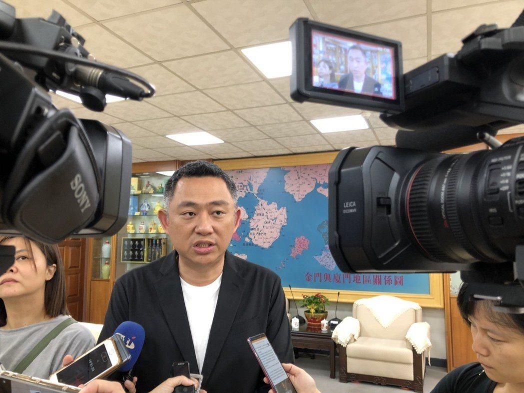 金門縣長楊鎮浯表示,農委會從今日起禁止金門地區豬肉加工產品輸往台灣,待2天後周邊...