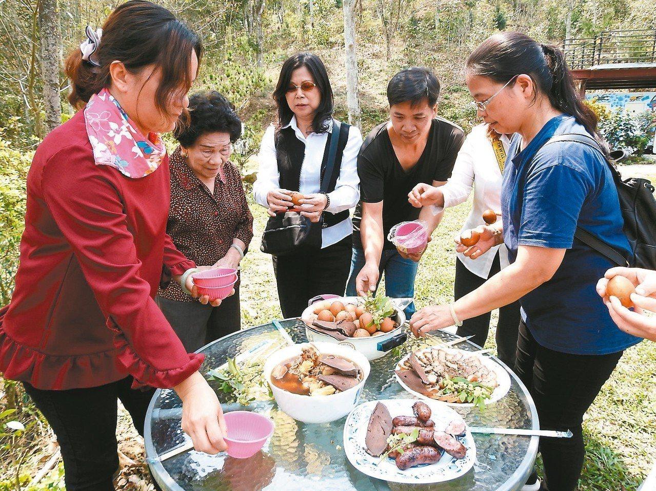 國姓鄉鹿農將當地生產的鹿茸搭配台灣原生種「山胡椒」,研發多種鹿茸馬告口味料理。 ...