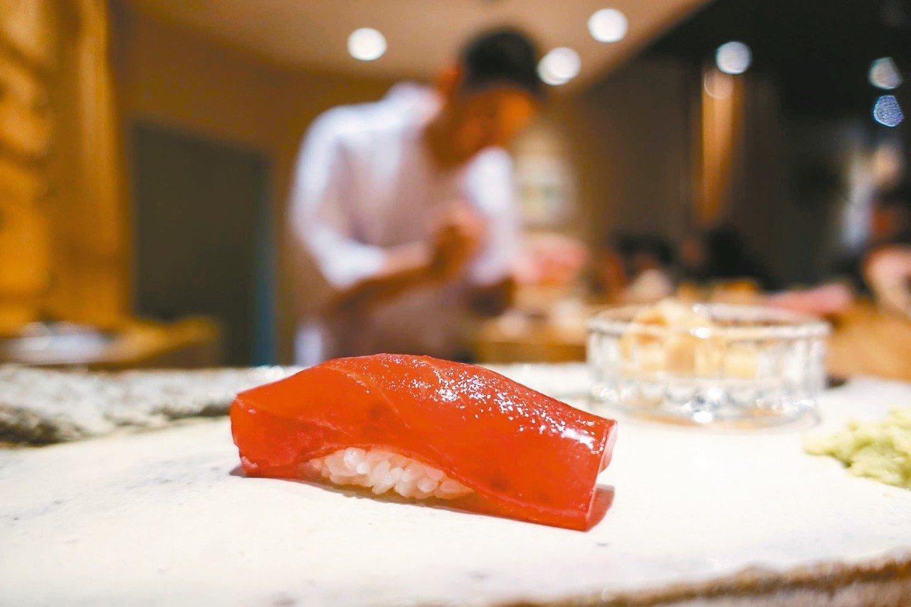 鮨天本大多數接熟客生意。 圖/《Taster 美食加》授權提供
