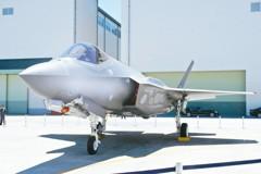 日F-35A墜海 衝擊日本防衛政策