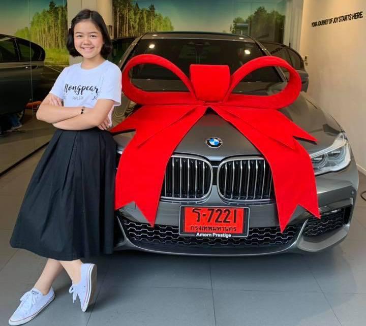 娜特楠買給自己的12歲生日禮物是一台BMW。圖/取自娜特楠臉書