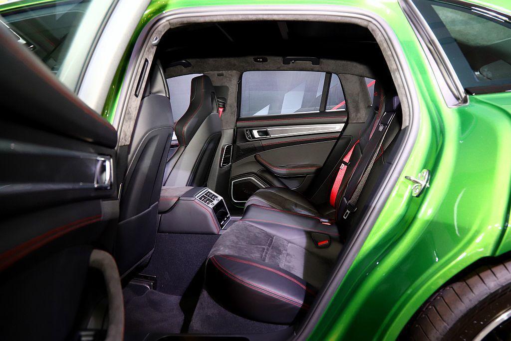 保時捷Panamera Sport Turismo具有獨特的4+1座椅配置。 記...