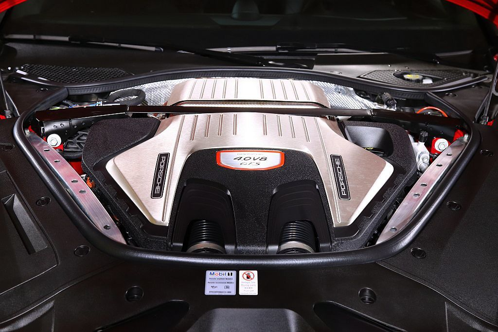 保時捷Panamera GTS動力搭載4.0L V8渦輪增壓引擎,可爆發460h...