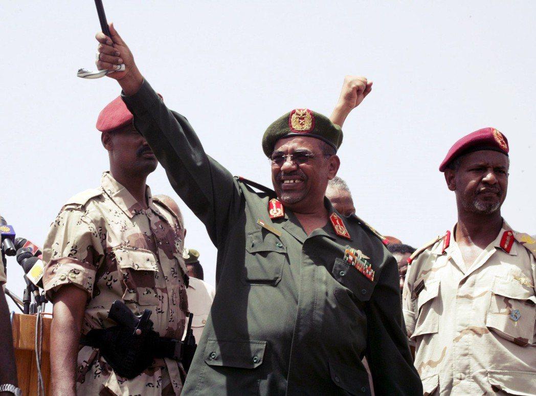 曾見證過兩次蘇丹內戰、統治蘇丹30年的巴席爾,是阿拉伯世界最為狡猾與殘忍的統治者...