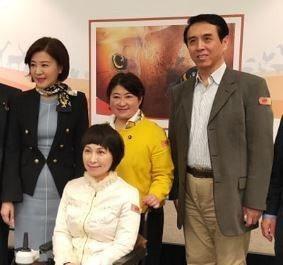 國民黨立委王育敏(左)主導的跨國「亞洲動物友善聯盟」11日正式成立,她希望與各國...