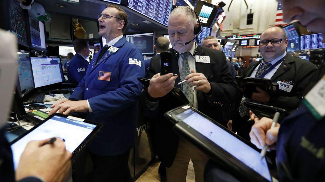 標普500指數從九天來的首次跌勢中反彈,意外疲軟的通膨數據可望支持Fed暫緩升息...