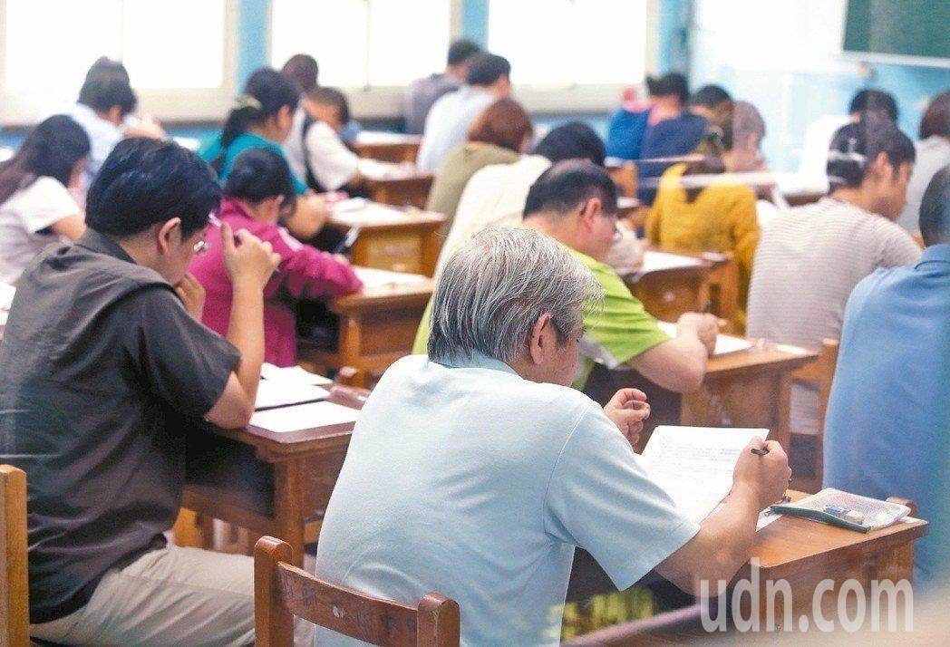 教育部99年起辦理閩南語認證考試,至今以餘6萬7000多人報考。示意圖。本報資料...