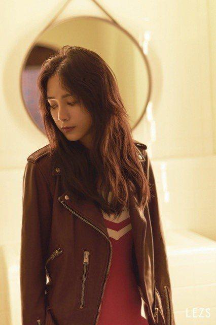 温貞菱形容表演對她來說是一件很單純,也是她熱愛及有感覺的事。圖/LEZS提供