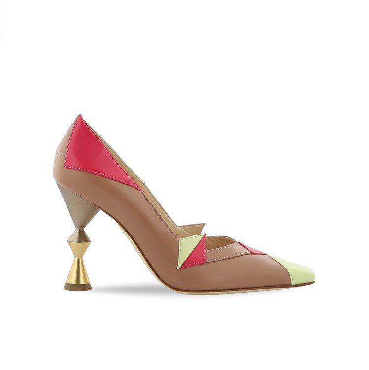 春夏首次發表的「CUSI」鞋跟,CASARES高跟鞋,42,800元。圖/Man...