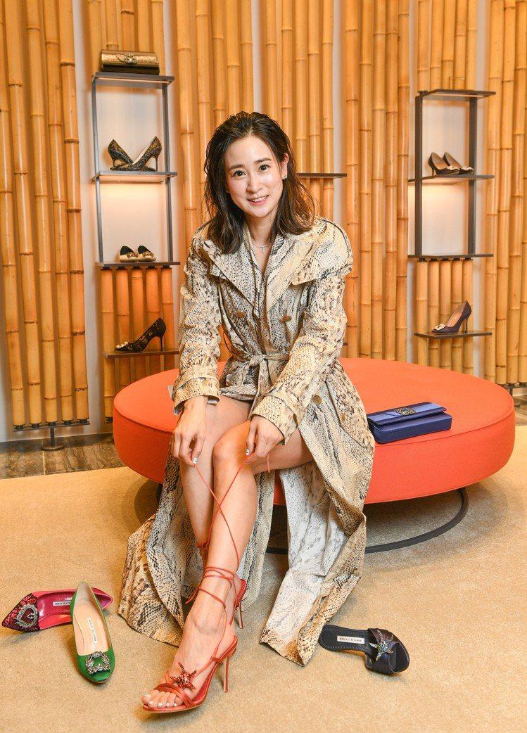 以前曾經在紐約擔任知名鞋款品牌設計總監的李晶晶,認為鞋子是完整整體造型的決定重點...