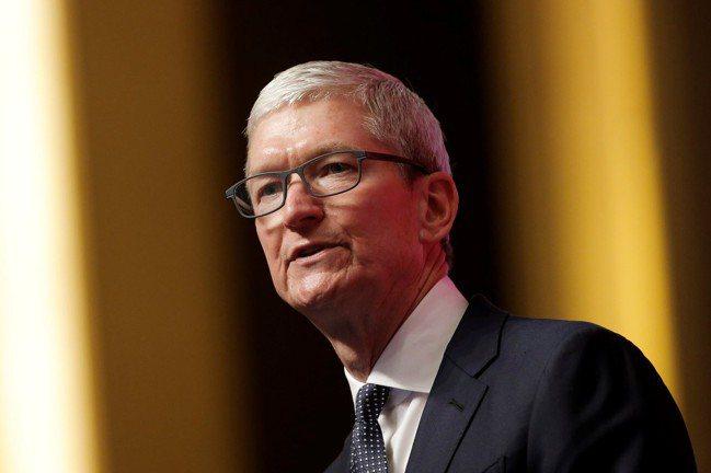 資深科技記者凱尼給蘋果執行長庫克A-的評價。路透