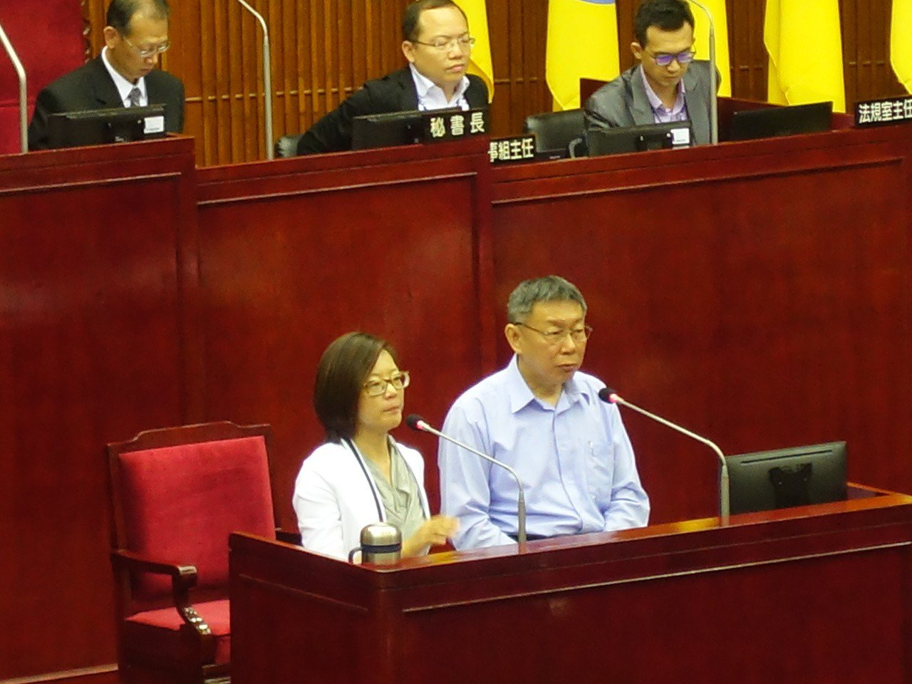 2020總統大選氣氛熱烈,台北市長柯文哲昨赴議會施政報告,被問到是否覺得有比總統...