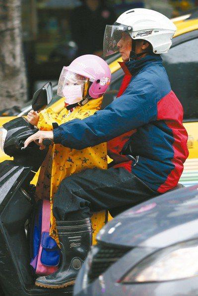 台灣老舊汽機車數量龐大,造成嚴重空汙問題,根據醫學期刊研究顯示,全球每年有400...