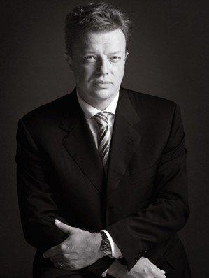 腕表暨珠寶全球商務發展總監Nicolas Beau見證J12一代代的演進。 圖/...