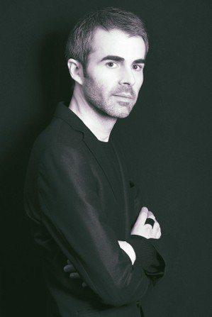香奈兒腕表創意工作室總監Arnaud Chastaingt有著藝術家的憂鬱氣質。...