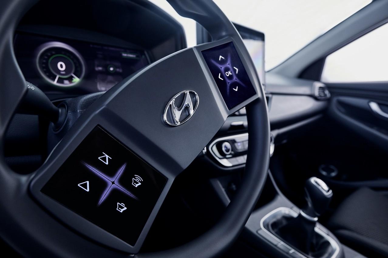 影/3D儀表搭配觸控式方向盤 Hyundai展示先進座艙科技!