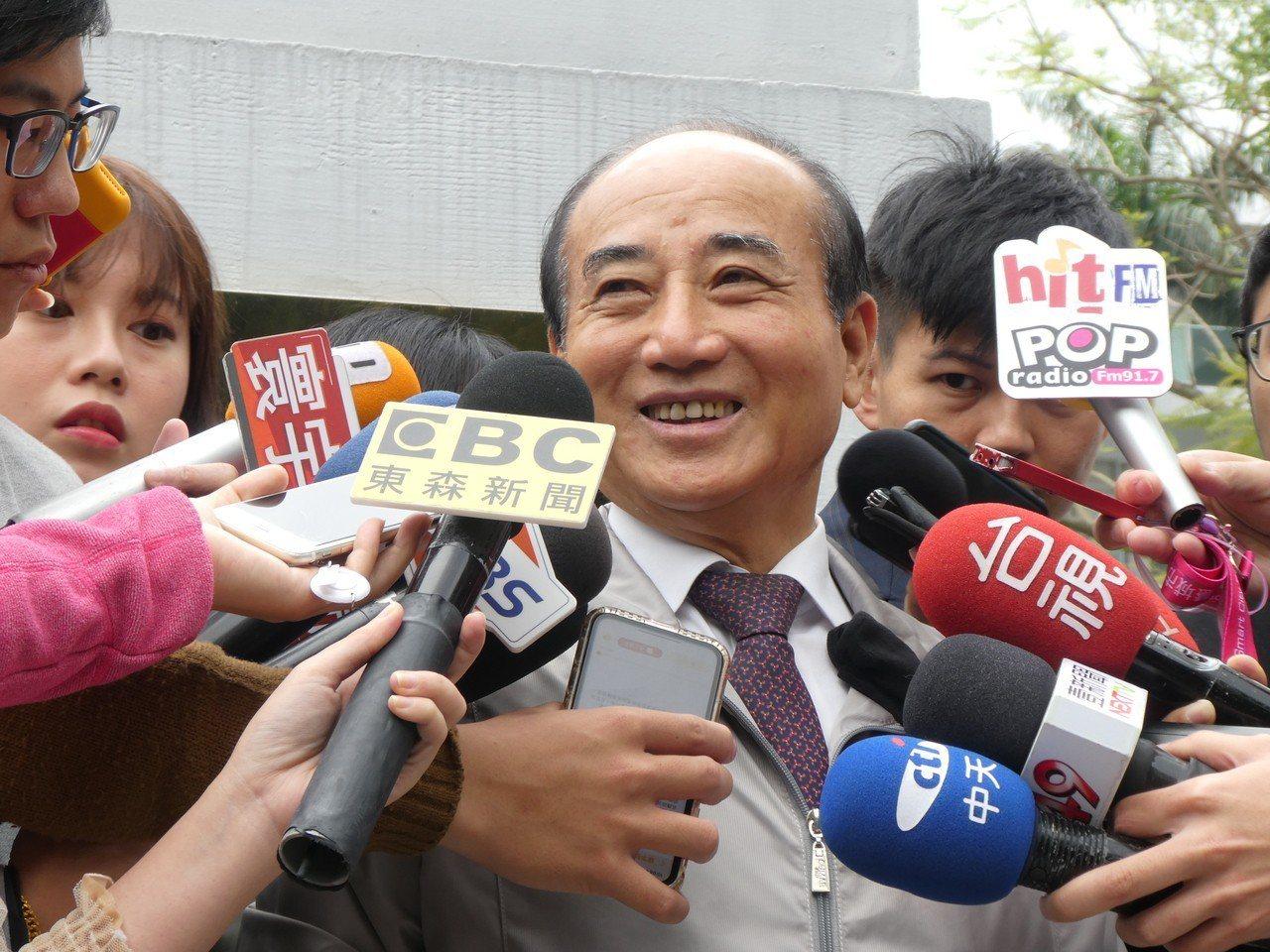 國民黨內「拱韓」聲浪高漲,王金平表示,他參選意願仍很堅定,有自信黨內總統初選一定...