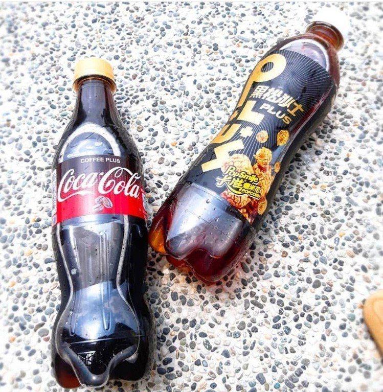 「卡滋爆米花焦糖風味」沙士(右)、「咖啡口味」可樂(左)。圖/IG@qunhan...