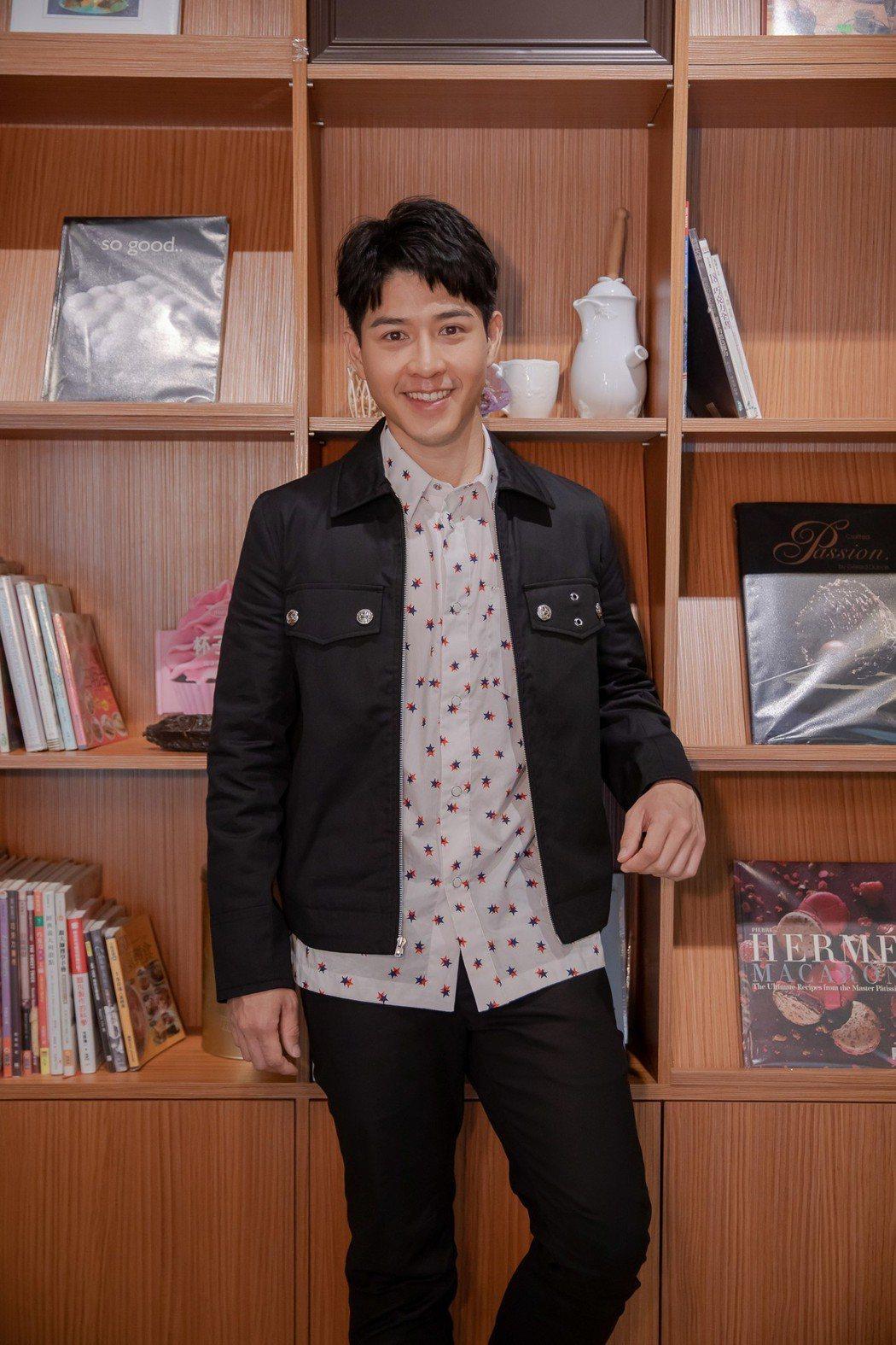 吳岳擎為新戲「如果愛.重來」宣傳。圖/歐銻銻娛樂提供