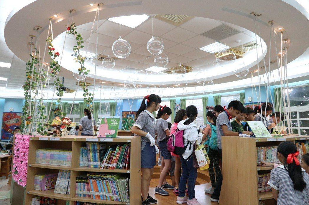 桃園市新埔國小曾獲全國閱讀磐石獎績優學校。記者許政榆/攝影