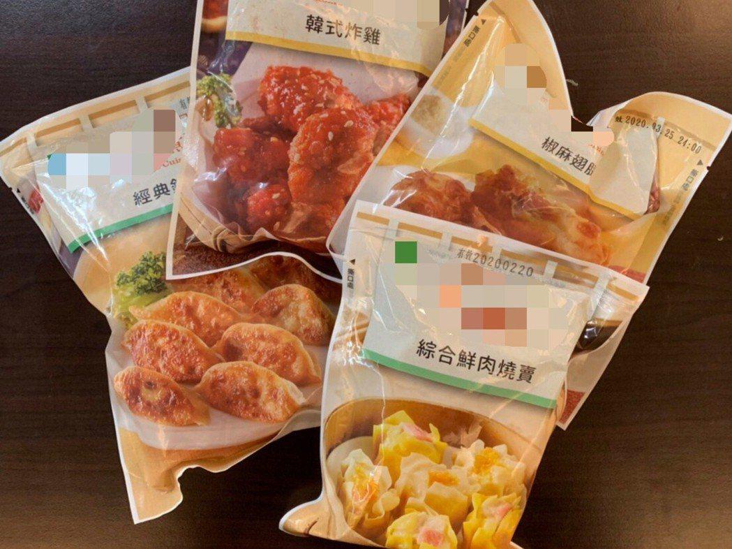 愛吃塑膠包裝的微波食品的民眾,醫師仍建議把包裝拆開,將食物裝進瓷器或玻璃容器加熱...