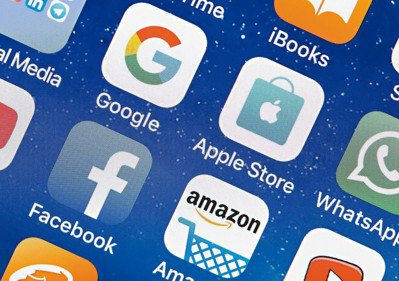 全球的資訊和數據掌握在少數幾家大型資訊科技(IT)企業的「新壟斷」現象愈來愈明顯...