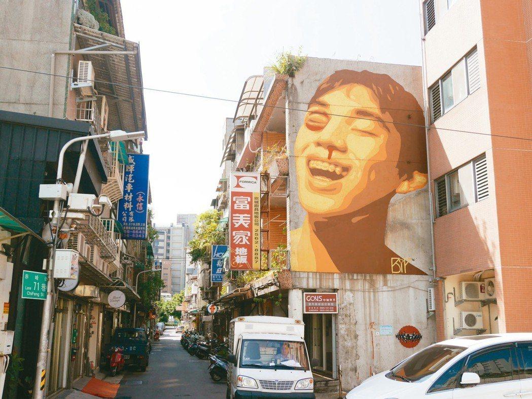 轉型成功的赤峰街,近幾年出現不少文青小店,讓年輕創業者有了發揮空間。 圖/聯合報...
