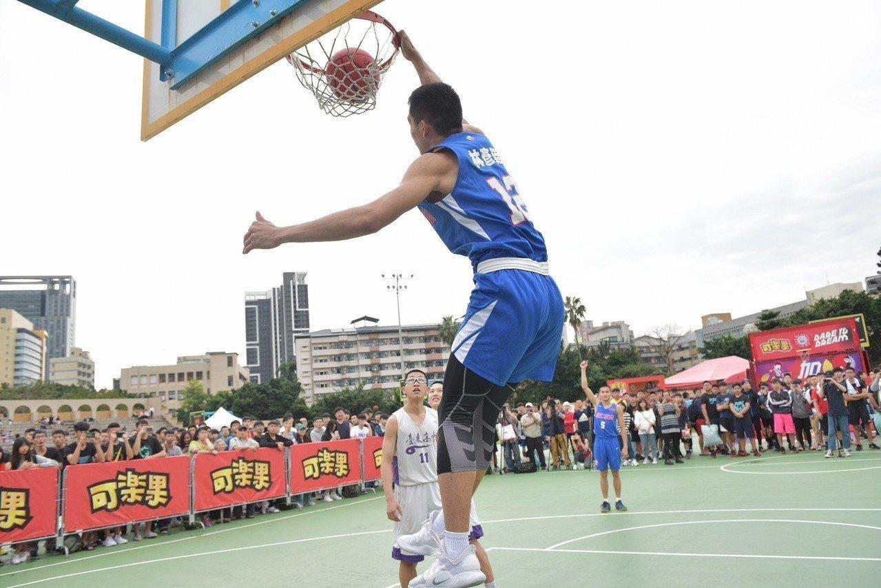 可樂果HBL三對三籃球賽號召來自127所學校、共400支高中菁英隊伍參賽。圖/名...