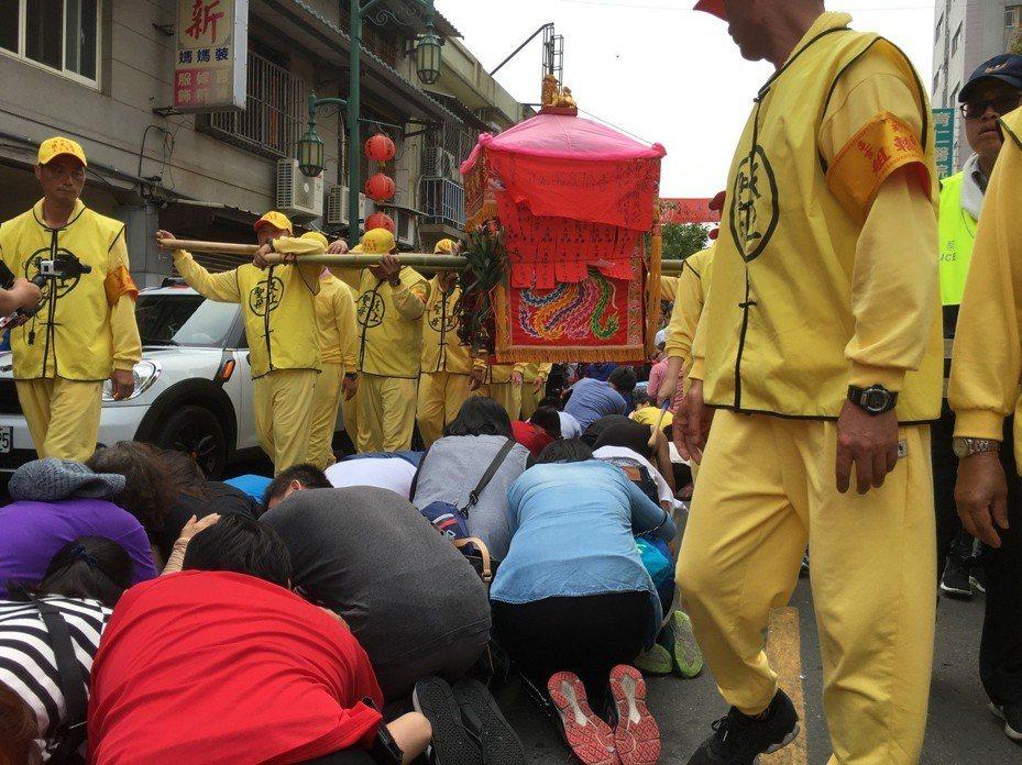 已近200年歷史的白沙屯媽祖徒步往雲林北港朝天宮進香活動是否延期或停辦,備受外界關注。聯合報系資料照片/記者陳雅玲攝影