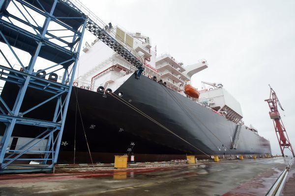 中華造船集團趕工建船。取自新華網