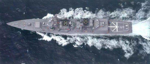 日本秋月級驅逐艦,常與中國052D型驅逐艦相提並論,因為它們噸位相當,而且建造數...