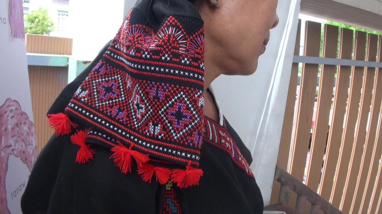 小林村傳統服飾,以大量的菱形紋為裝飾圖騰。記者王昭月/攝影