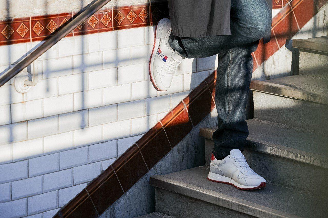 路易威登即起推出客製Run Away運動鞋服務,至5月12日止。圖/LV提供