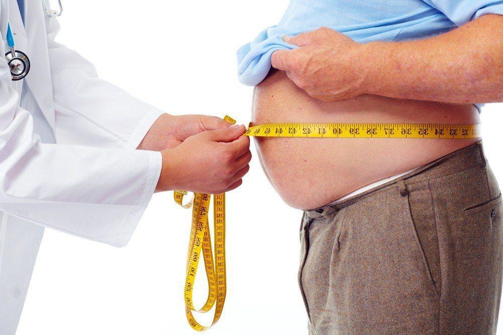 腰圍肥胖會增加多種疾病風險,包括心臟病和糖尿病。今年發表在美國神經病學學會「神經...
