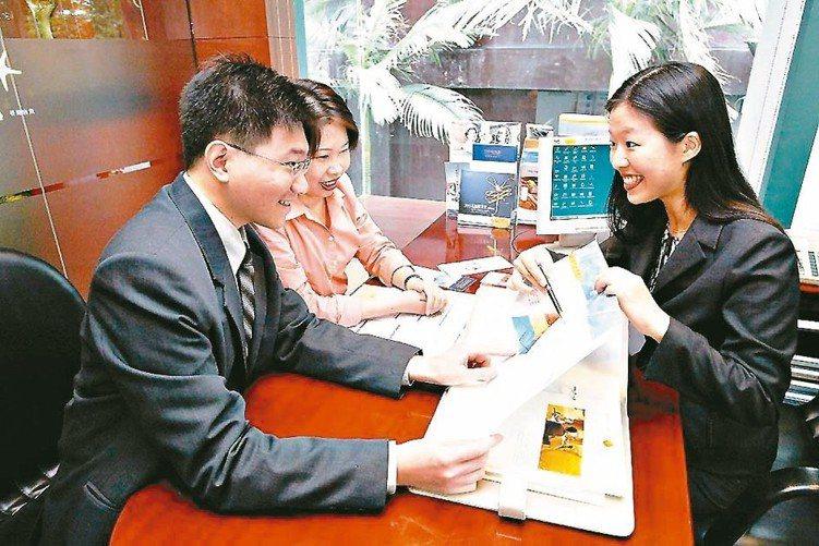 買保險的第一步,就是要挑對業務員或理專。 本報系資料庫