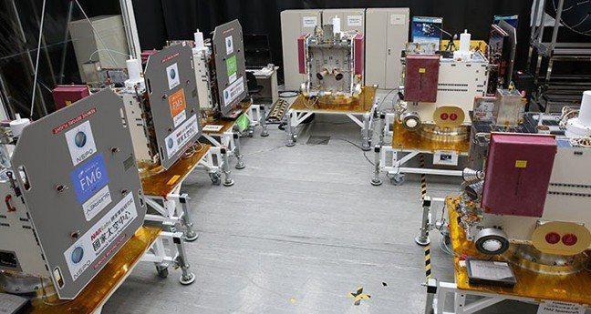 福衛七號由六枚衛星組成,將接續福衛三號任務。太空中心╱提供
