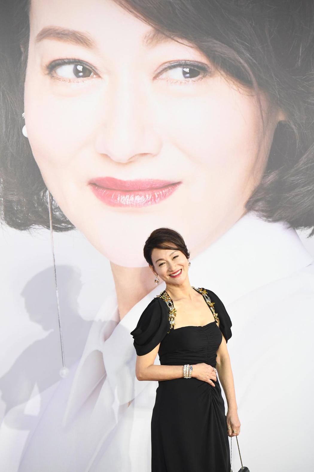 憑著「血觀音」2018年拿下金馬獎影后的惠英紅,今天再以「翠絲」奪下本屆香港金像