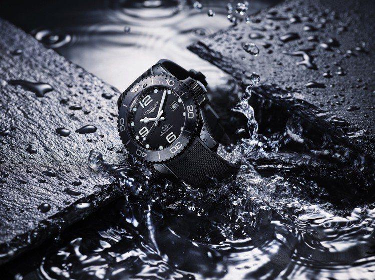 浪琴以黑色陶瓷打造HydroConquest深海征服者潛水表 ,再度引起市場矚目...