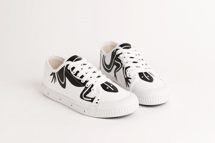 agnès b. x Spring Court聯名網球鞋(白),5,080元。圖...