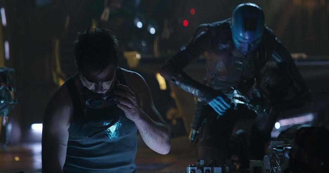 「鋼鐵人」小勞勃道尼與「涅布拉」凱倫吉蘭在「復仇者聯盟:終局之戰」中有不少趣味的...
