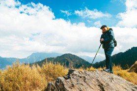優人物/走向山岳的社會觀察家 詹偉雄與山對話的退休生活