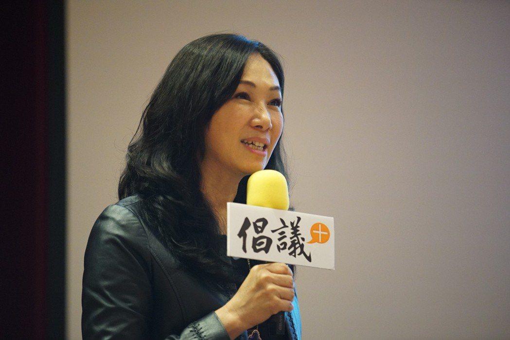 韓國瑜的妻子李佳芬以前照顧3個孩子,天天1打3,也有快抓狂的時候。 圖/聯合報系...