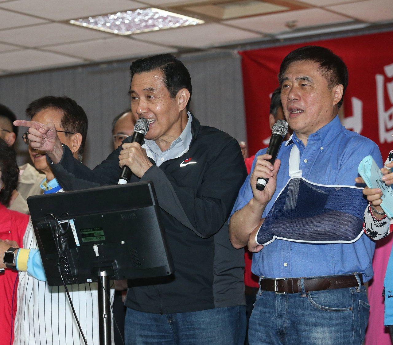 郝龍斌感受特別深刻,他平常鮮少開口唱歌,就是因為體罰影響。 記者鄭清元/攝影