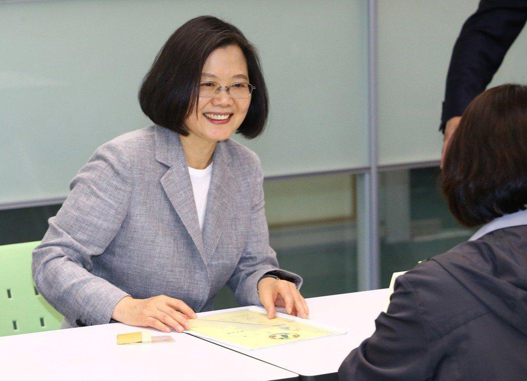 蔡英文總統登記參加民進黨2020總統初選時表示,「韓市長應該多花一點時間在市政上...
