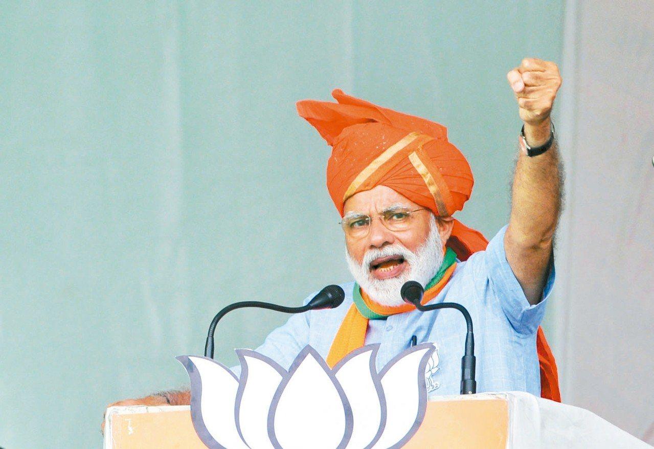 印度總理莫迪14日在選舉造勢活動上發表談話。 新華社