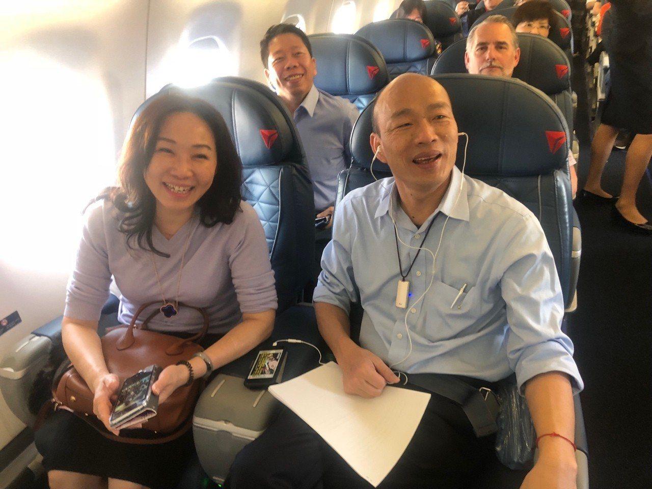高雄市長韓國瑜美西時間14日下午搭國內線飛機從洛杉磯前往聖荷西,1個多小時的飛行...