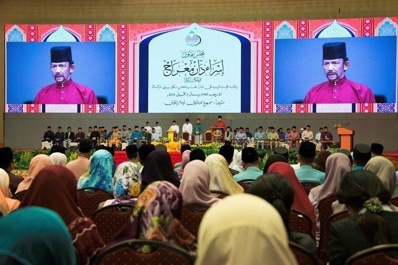 汶萊官方宣布伊斯蘭刑法將在4月3日正式執行,其中的男同志石刑處死的峻法,引發國際反彈。 圖/法新社